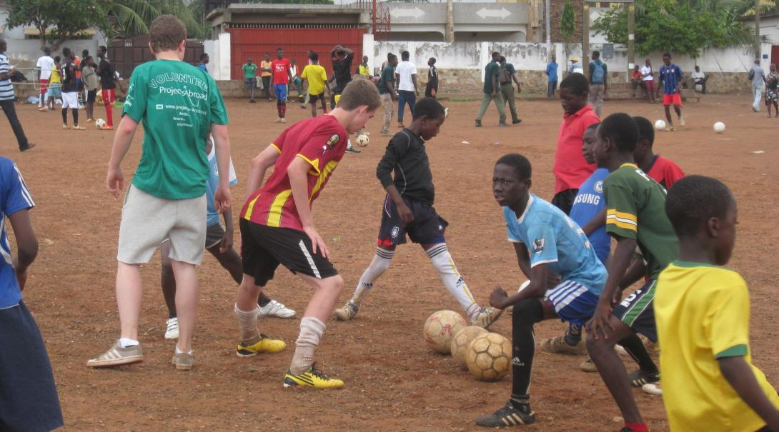 High School Soccer Coaching volunteers prepare a training session in Ghana with Projects Abroad.